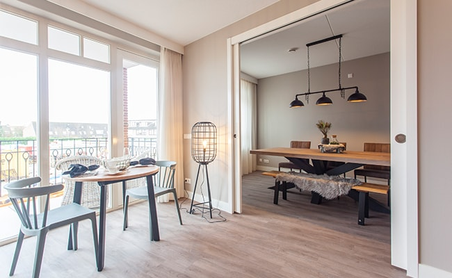 Huiskamer met eettafel appartement seniorenwoning Calla Rijnsburg | Wonen in Calla