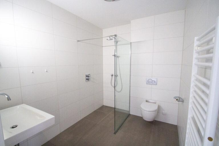 de-klok-446-huurwoning-calla-rijnsburg-badkamer