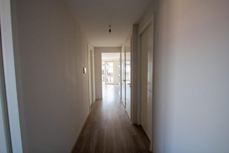 de-klok-446-huurwoning-calla-rijnsburg-gang